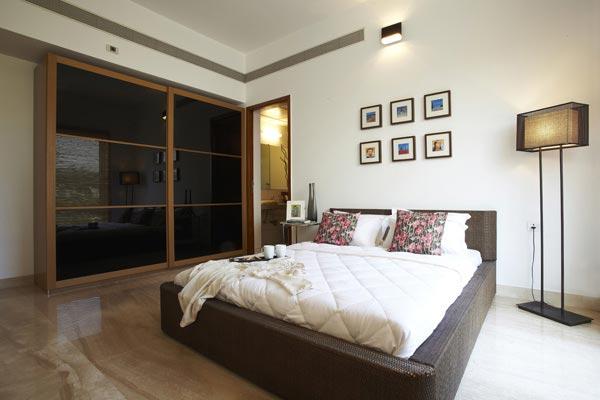 503f3ef1f0696Master Bed Room